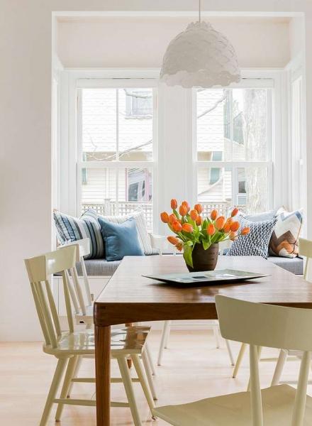 Làm mới cho phòng ăn bằng cáchxóa đi sự hỗn loạn và tạo cảm giác thư thái ngay trong căn bếp nhà bạn.